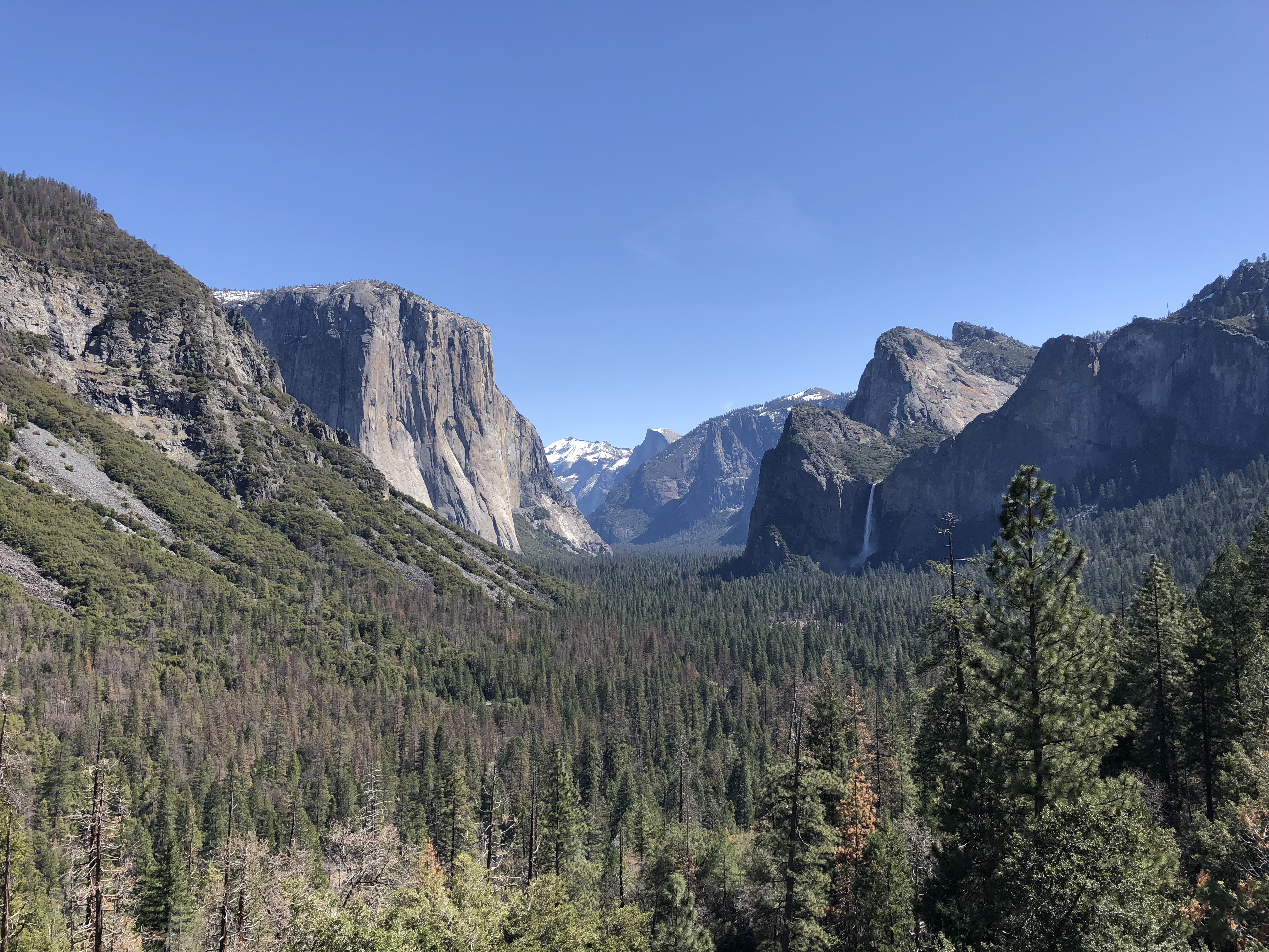the famous Tunnel View in Yosemite